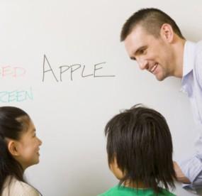 英語早期教育の画像