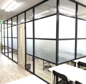 ここで勉強したい!学習塾カレッジのおしゃれでかっこいい2階の内装を大公開!!の画像