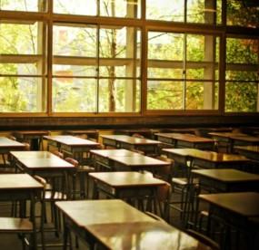 学校完全オンライン化の限界、小1だけでも学校再開を。の画像